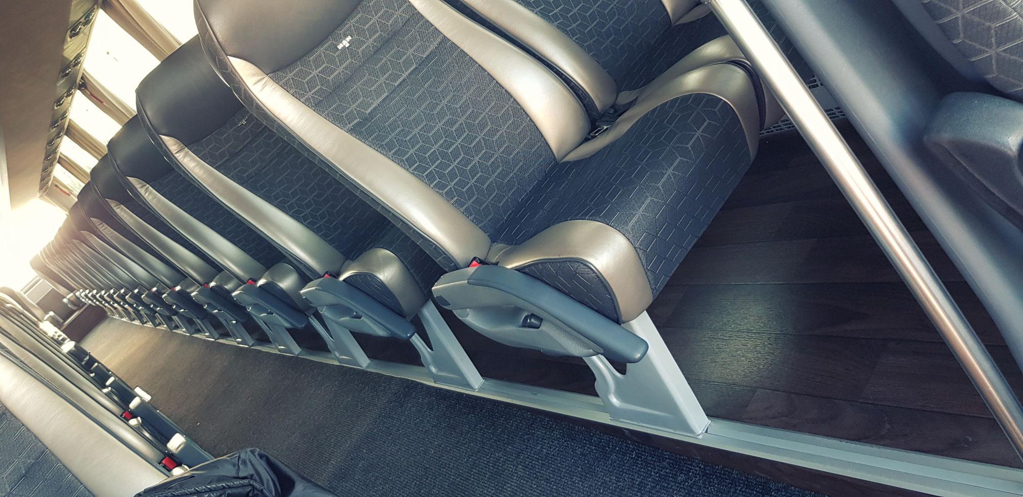 52 + 2 ülőhely